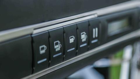 Hệ thống các nút bấm lớn tiện dụng