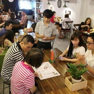 Thái độ của nhân viên luôn đóng góp 1 phần không nhỏ tạo nên thành công quán cafe
